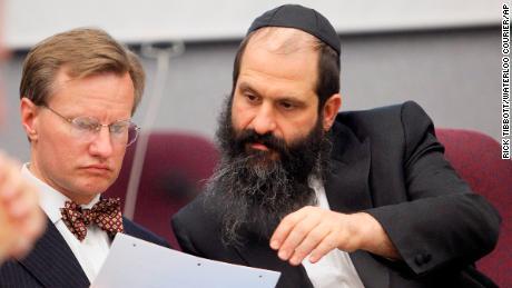 Rubashkin confers with his attorney
