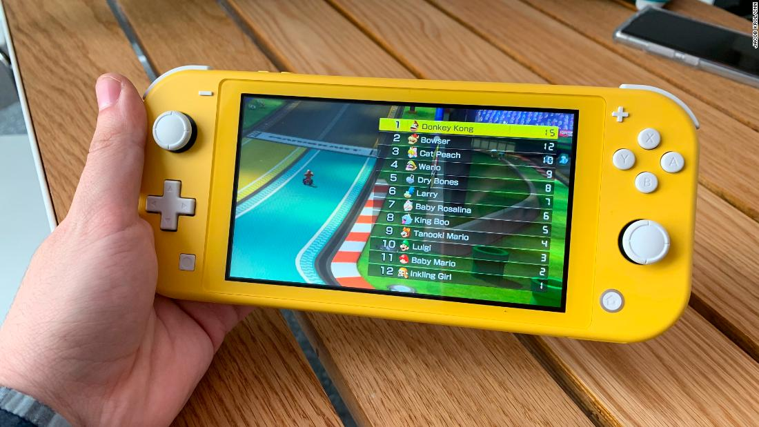 Here's what I liked most about Nintendo's Switch Lite after an hour