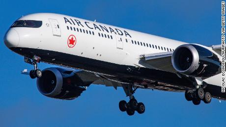 Air Canada has to pay $15,000 to a couple because the word 'lift' was not engraved on seatbelts in French