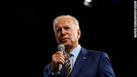 Tara Reade: Biden sex attack accuser urges him to quit race