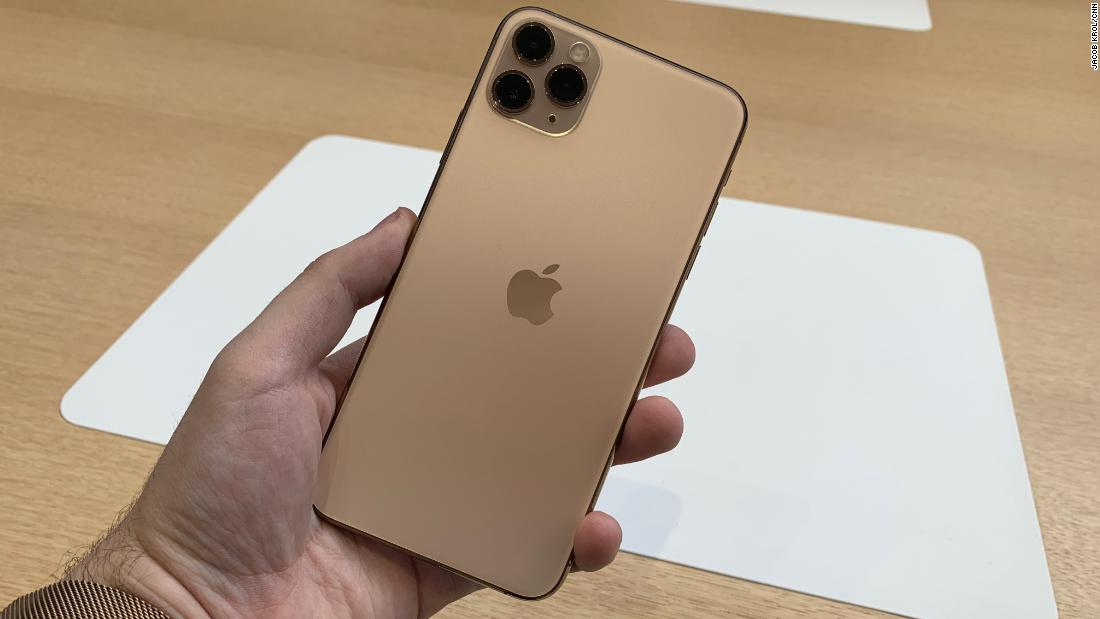 We got our hands on the new iPhone 11 Pro and Pro Max and we were impressed