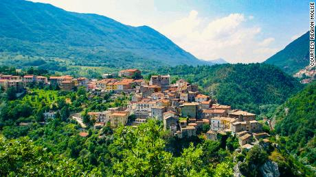 These Italian towns in Molise will pay you $  27,000 to move there