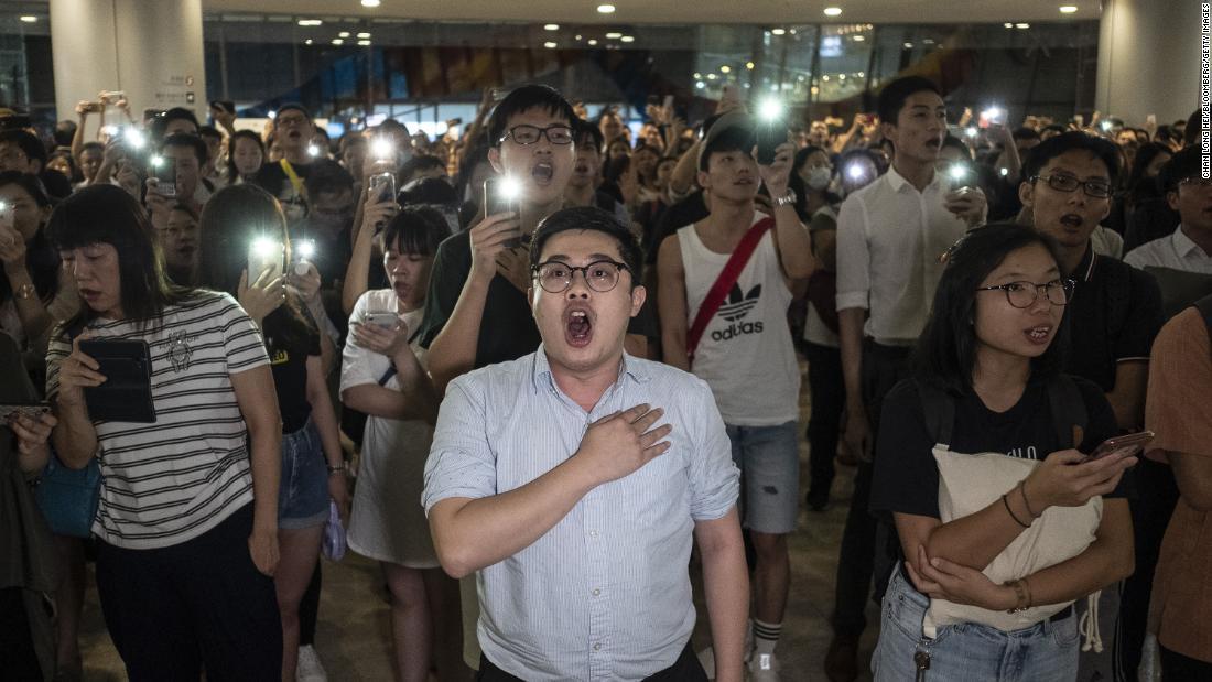 Πώς το Χονγκ Κονγκ διαμαρτυρία τραγούδι έγινε μια ανεπίσημη
