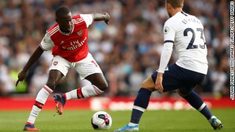 Nicolas Pepe playing for Arsenal against Spurs in the north London derby.