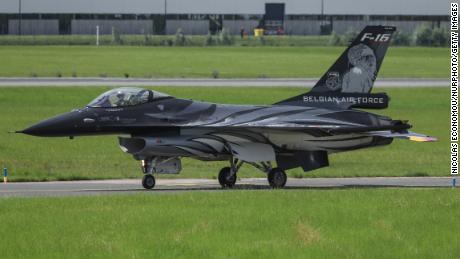 Belgian F-16 crash pilot ejects on to power line