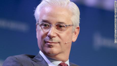 Wells Fargo names financial veteran Charles Scharf as its new CEO