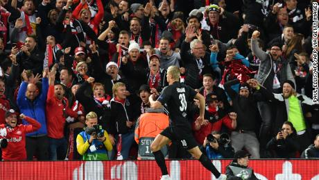 Salzburg's Norwegian forward Erling Braut Håland (C) celebrates after making it 3-3.