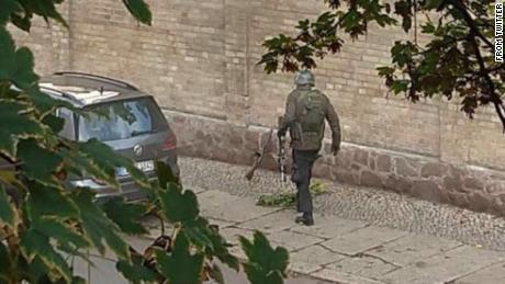 Esta imagen compartida en las redes sociales muestra al presunto pistolero.