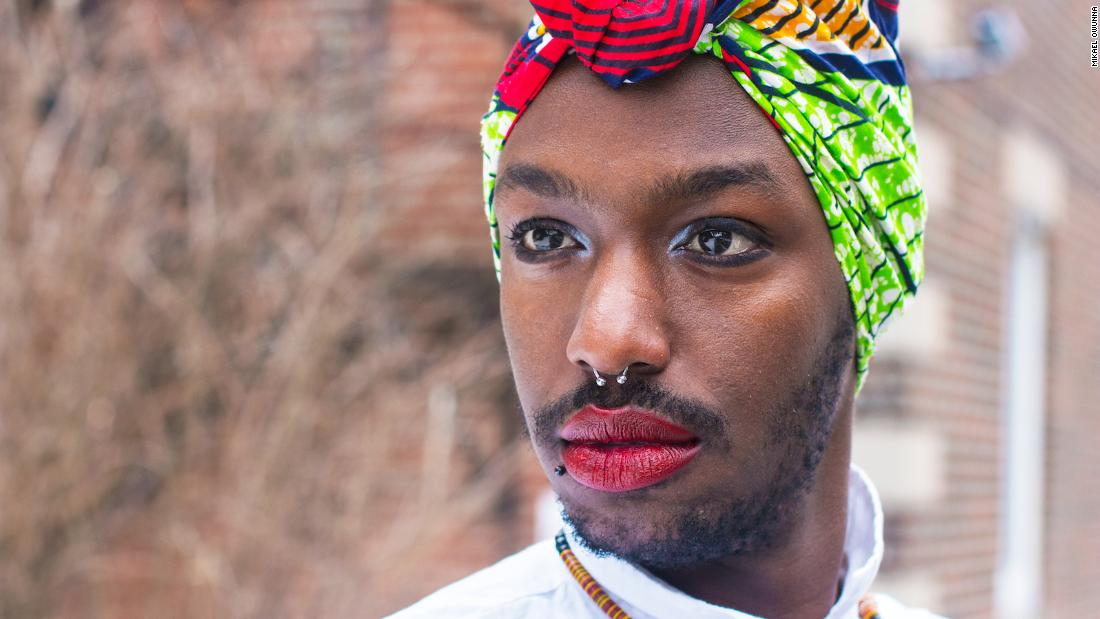 Potret Candid mengeksplorasi kehidupan LGBTQ migran Afrika