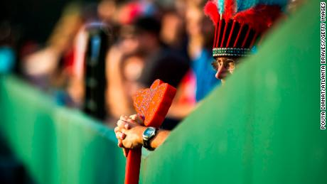 Di nuovo, chiefs of tribal nations say the Atlanta Braves' tomahawk chop is inappropriate