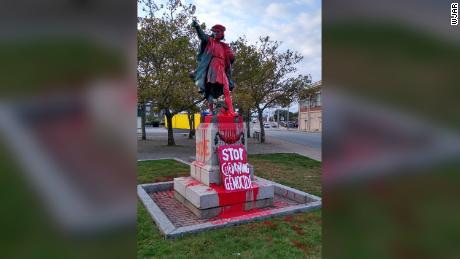 Christopher Columbus statue vandalised in U.S. national holiday protest