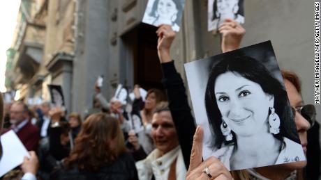 مالٹیج کے صحافی ڈیفن کیروانا گلییزیا کو کیوں قتل کیا گیا اس کی خبریں دوبارہ منظرعام پر آ گئیں