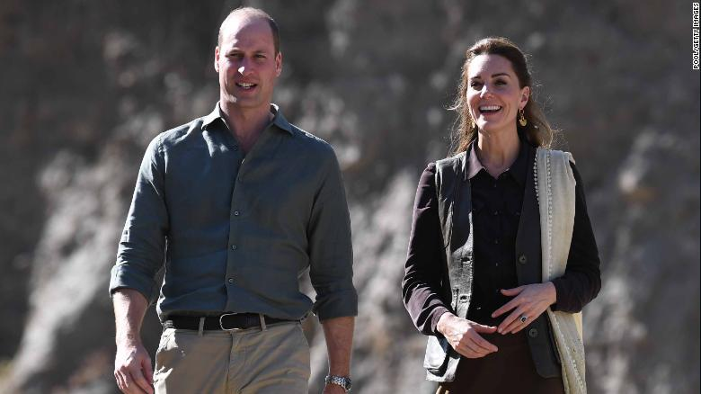 Storm forces William and Kate's royal plane to abandon Islamabad landing