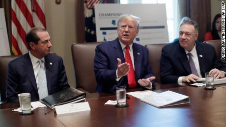 Continúa el aluvión de deshonestidad de Trump en Ucrania. Hizo 96 afirmaciones falsas la semana pasada