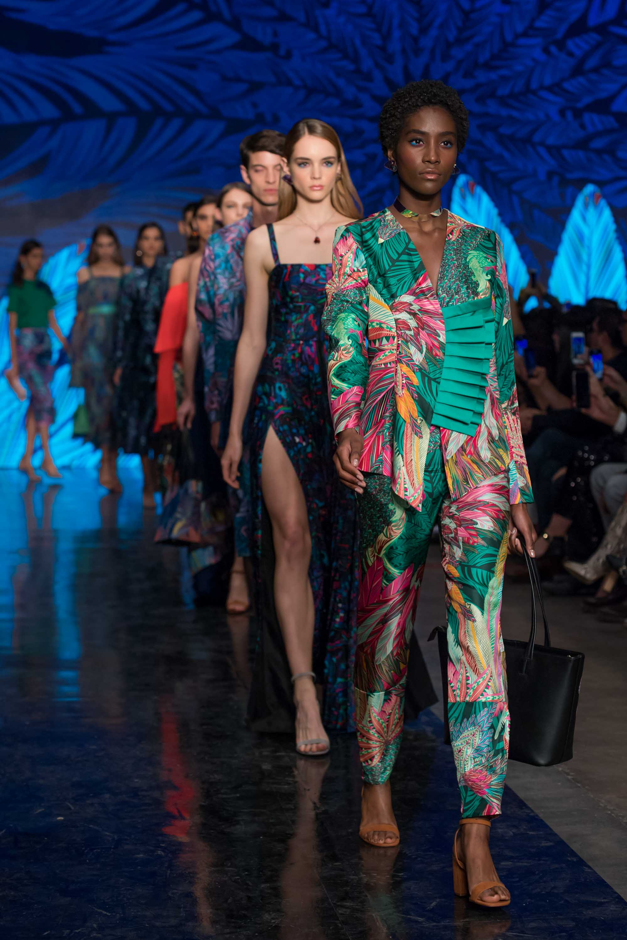 Mexico Fashion Week Showcasing The Work Of Contemporary Designers And Traditional Artisans Cnn Style