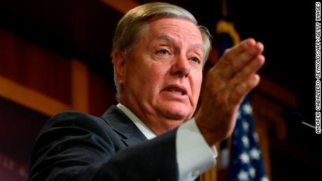 Graham: la investigación de juicio político es & # 39; inválida & # 39; sin el testimonio del denunciante