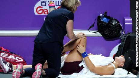 Bianca Andreescu retired with a knee injury against Karolina Pliskova at the WTA Finals.