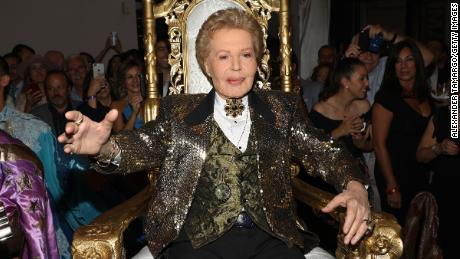 Puerto Rican astrologer, TV personality Walter Mercado dies at 88