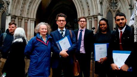 Lệnh cấm các cuộc biểu tình nổi loạn tuyệt chủng ở Luân Đôn & # 39; bất hợp pháp, & # 39; Quy tắc của tòa án