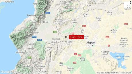Auto bomb kills 10 near Syria's border with Turkey
