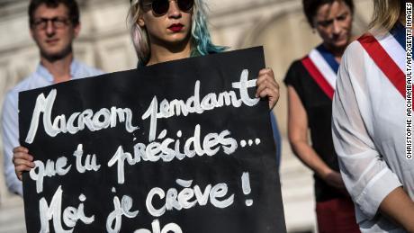 اس سال فرانس میں 137 خواتین کو ان کے شراکت داروں نے ہلاک کیا ہے۔  ناقدین ایک & # 39؛ گہرائیوں سے جنسی تعلقات رکھنے والے معاشرے کو & # 39؛