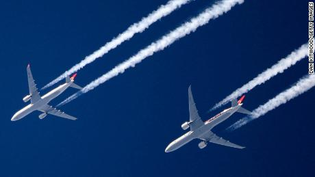 How changing aircraft altitude could cut flight's climate impact
