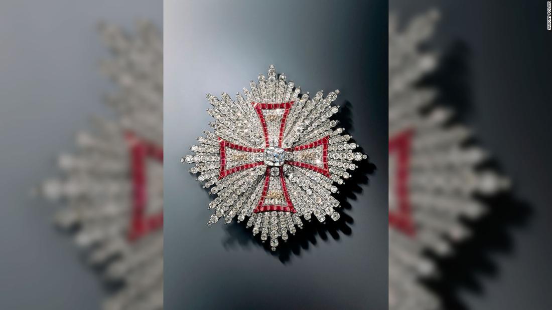 Μερικά από τα ανεκτίμητα κοσμήματα που λαμβάνονται στο Dresden, Green Vault ληστεία