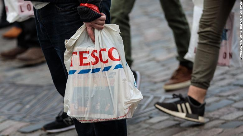 Supermarkets' single-use plastic waste rises to almost  1000000 tonnes a year