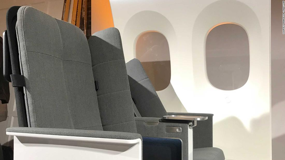 "It may not cure jet lag, but this new seat design could help you leave the plane feeling more rested. It comes with ""padded wings"" that fold out from behind both sides of the seat back, making it easier to sleep. Called ""Interspace,&报价; 它's the work of Universal Movement, a spin-off from London-based design company New Territory."