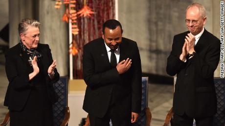 Abiy Ahmed ของเอธิโอเปียเรียกร้องให้มีสันติภาพใน Horn of Africa ในขณะที่เขาได้รับเหรียญรางวัลโนเบลสาขาสันติภาพ