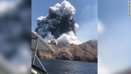 Tour boat turned around to rescue volcano victims