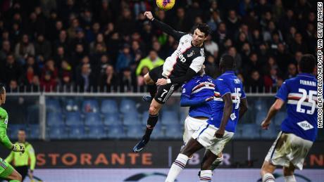 Cristiano Ronaldo marque la tête de la NBA défiant la gravité alors que la Juventus bat la Sampdoria