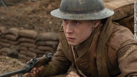"George MacKay as Schofield in ""1917"""