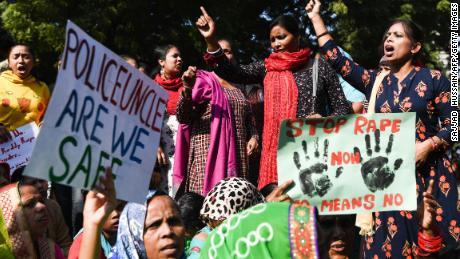 ชาวอินเดียมีสิทธิ์ที่จะประท้วงการข่มขืน แต่การต่อสู้ต้องเริ่มต้นที่บ้าน