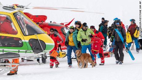 Boxing Day avalanches in Austria and Switzerland injure skiers, prompt search
