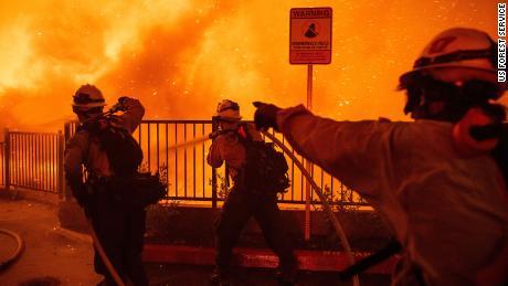 Nicole Kidman et Keith Urban font un don de 500 000 $ pour aider les pompiers australiens