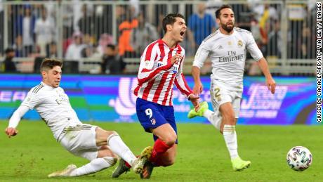 Federico Valverde expulsé alors que le Real Madrid remporte la Super Coupe d'Espagne
