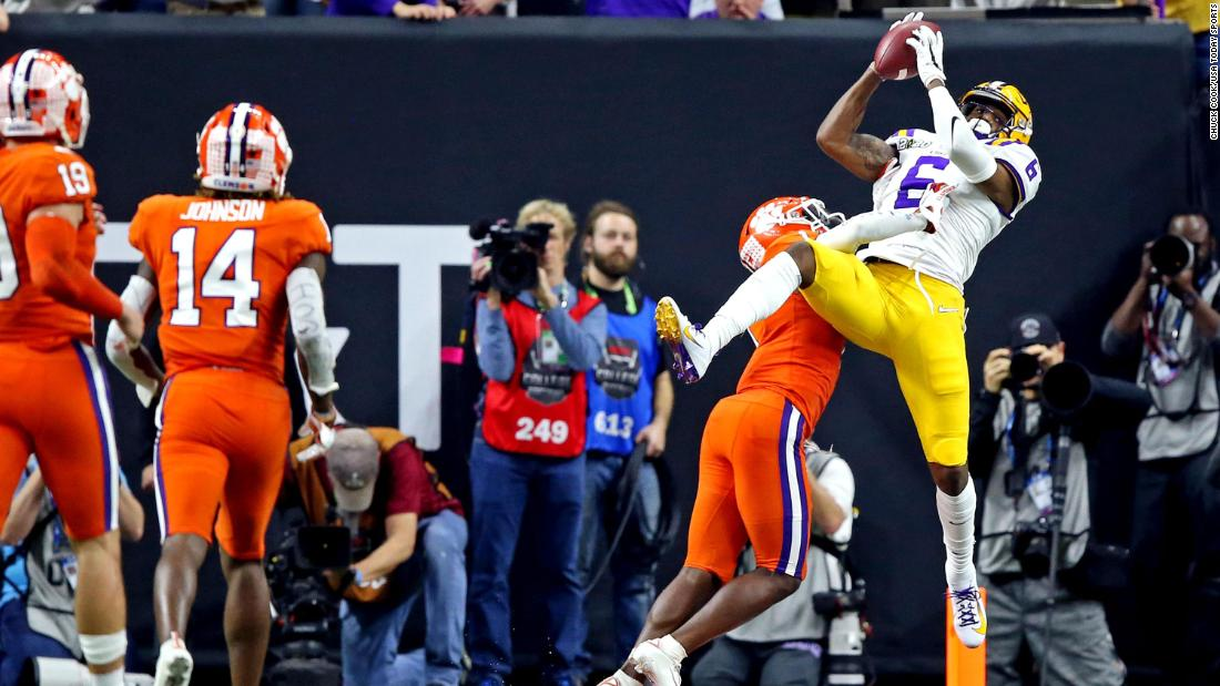 LSU Tops Clemson To Win The CFB National Title, Fans React