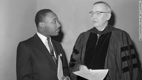 King and Dr. Edwin Theodore Dahlberg at the General Assembly of the National Council of Churches.