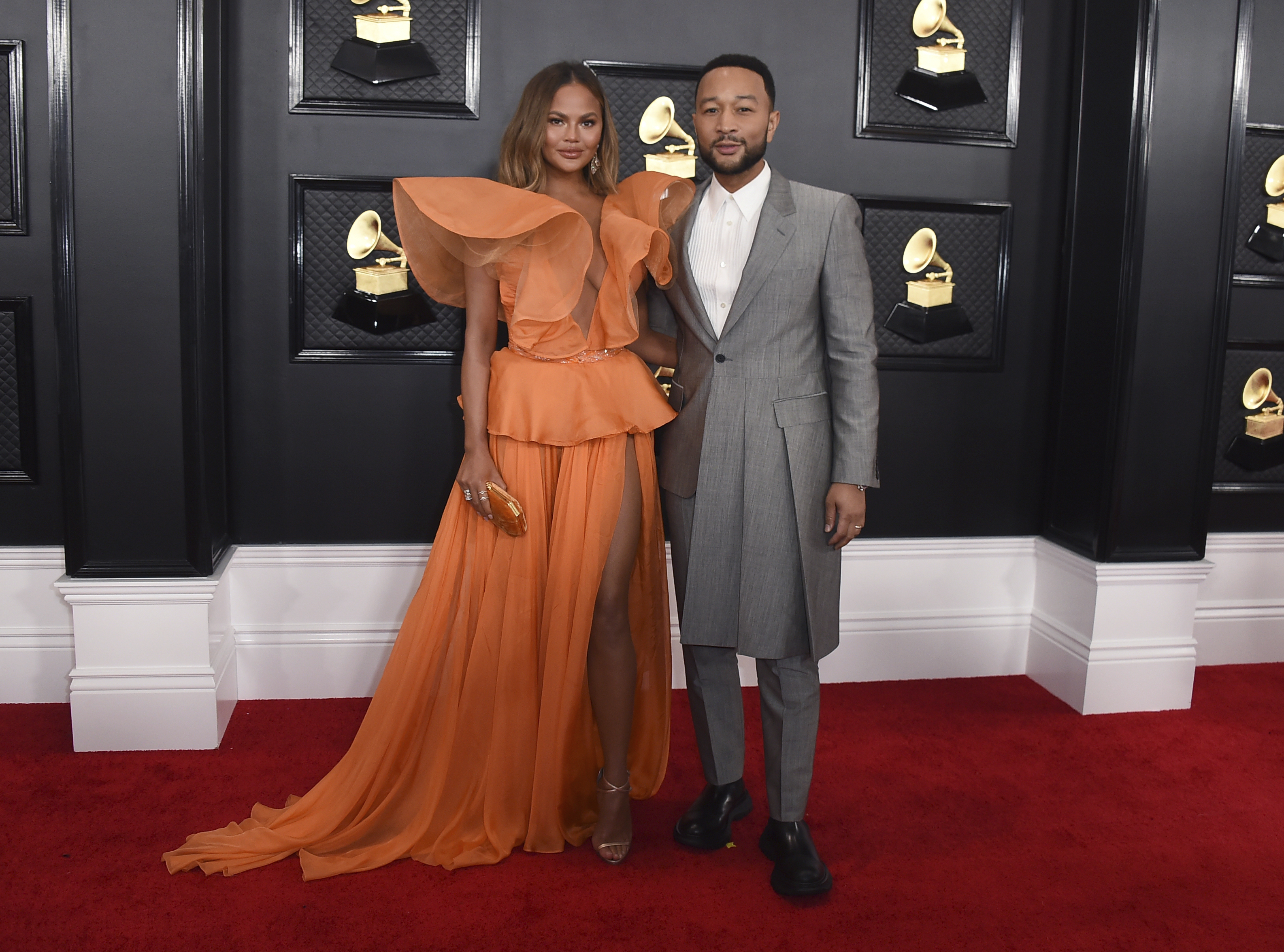 best dressed celebrities on the 2020 grammys red carpet cnn style https www cnn com style article grammys 2020 red carpet fashion index html