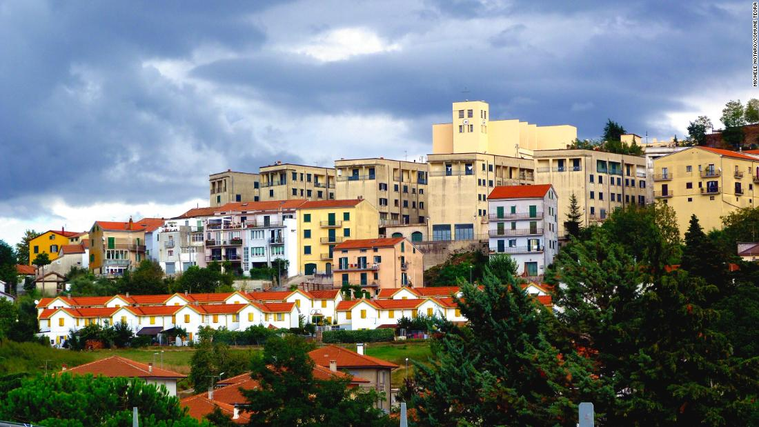 Italian town Teora hopes to lure new residents by paying their rent