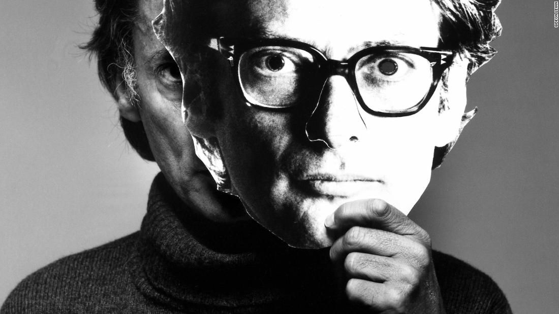 Rare photos of Richard Avedon, from the lens of his longtime assistant