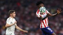 Federico Valverde of Real Madrid battles for the ball with Partey at Wanda Metropolitano on September 28, 2019.