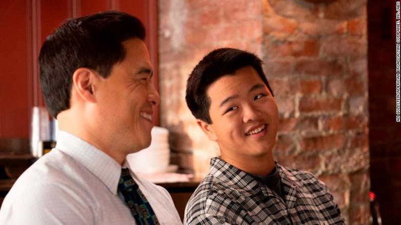 Randall Park và Hudson Yang trong & # 39; Làm mới thuyền & # 39; (ABC / Ali Goldstein)