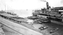 A steamer is loaded in Hankow.