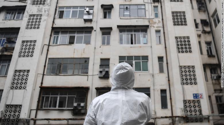 Cư dân Vũ Hán khỏe mạnh cho biết họ bị buộc phải kiểm dịch coronavirus hàng loạt, có nguy cơ nhiễm trùng