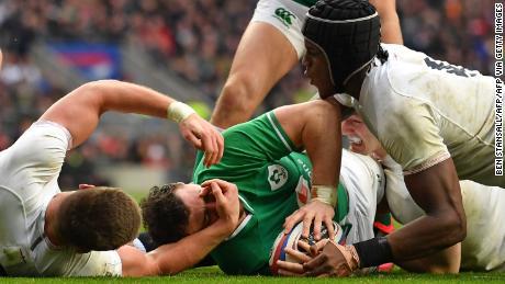 L'Angleterre bat l'Irlande pour raviver les espoirs du Championnat des Six Nations