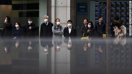 Asian markets tumble as coronavirus continues to spread