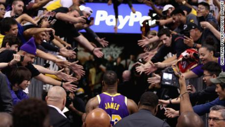 NBA players advised not to high-five fans as coronavirus spreads