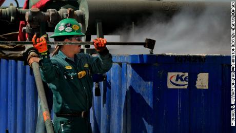 Low oil prices could damage the US economy